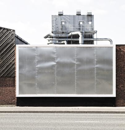 Metallic「Blank Billboard On Industrial Building」:スマホ壁紙(16)