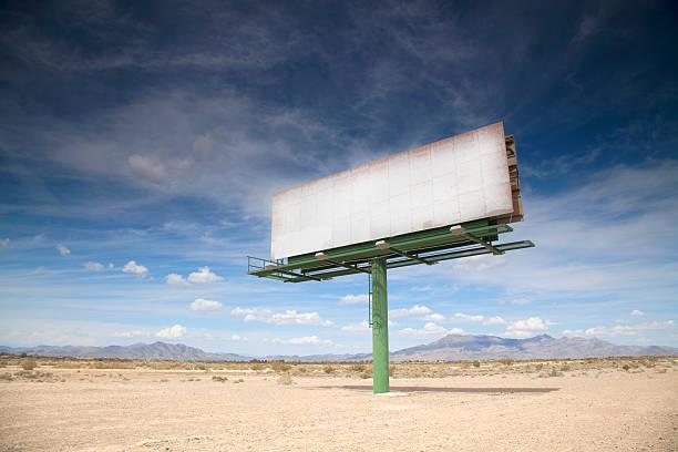 Blank billboard in desert:スマホ壁紙(壁紙.com)