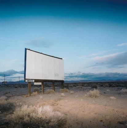 Remote Location「Blank Billboard in Desert」:スマホ壁紙(12)