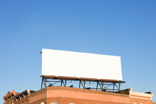 Sign「Blank Billboard Sign on Building Rooftop」:スマホ壁紙(3)
