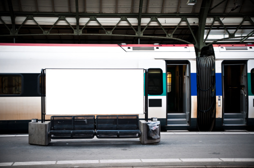 Travel「blank billboard in a train station」:スマホ壁紙(19)