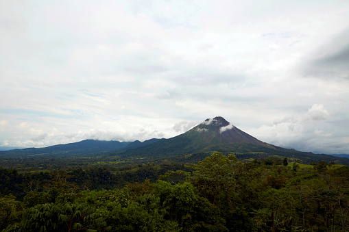 Awe「Arenal Volcano in Costa Rica.」:スマホ壁紙(10)