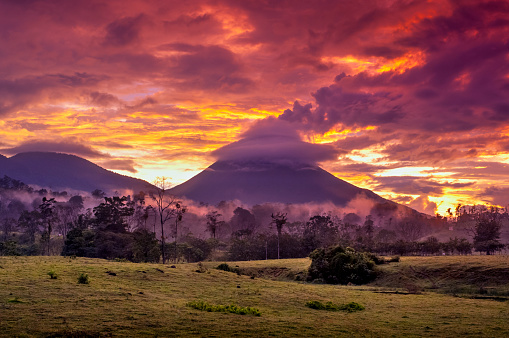 Volcano「Arenal Volcano, Costa Rica」:スマホ壁紙(8)