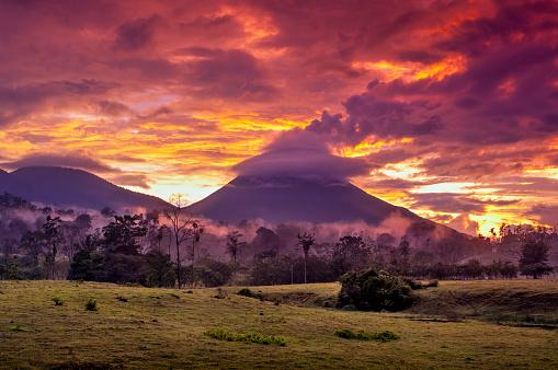 Central America「Arenal Volcano, Costa Rica」:スマホ壁紙(5)