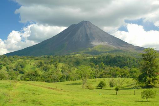 Active Volcano「Arenal volcano Costa Rica.」:スマホ壁紙(0)