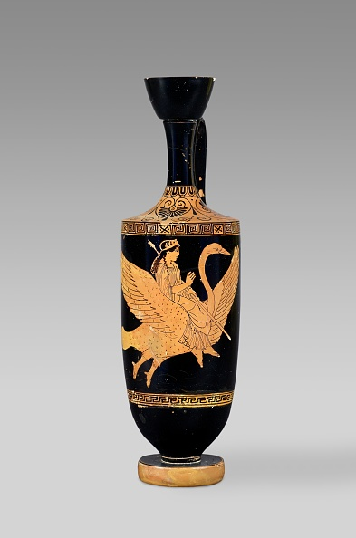 Red-Figure Ceramics「Attic Red-Figure Lekythos Depicting Aphrodite Riding A Flying Swan」:写真・画像(14)[壁紙.com]