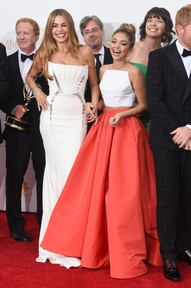 Modern Family - Television Show「66th Annual Primetime Emmy Awards - Press Room」:写真・画像(6)[壁紙.com]