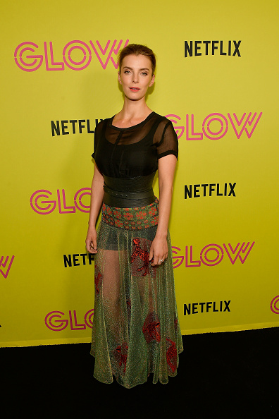 """Betty Gilpin「Netflix's """"Glow"""" Celebrates Its 10 Emmy Nominations With Roller-Skating Event」:写真・画像(15)[壁紙.com]"""