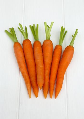 Carrot「Five carrots lying together」:スマホ壁紙(0)