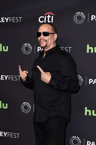 "Paley Center for Media「The Paley Center For Media's 33rd Annual PaleyFest Los Angeles - Stars Of ""Law And Order: SVU"", ""Chicago Fire"", ""Chicago P.D."", And ""Med"" Salute Dick Wolf - Arrivals」:写真・画像(13)[壁紙.com]"