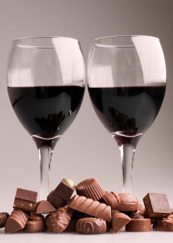 チョコレート「red wine with chocolates」:スマホ壁紙(6)