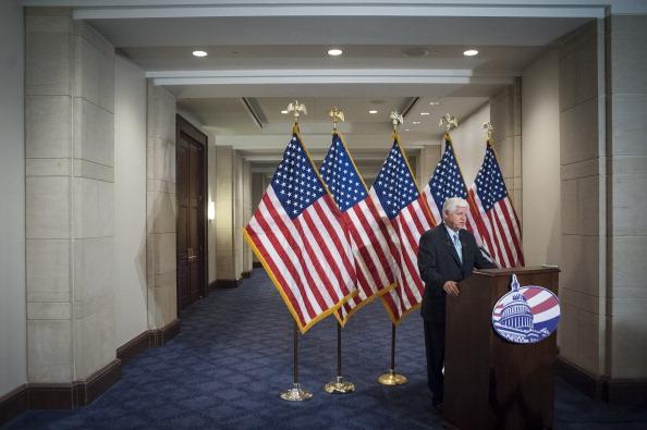 Middle Class「House Democratic Caucus Calls For Tax Cuts」:写真・画像(3)[壁紙.com]