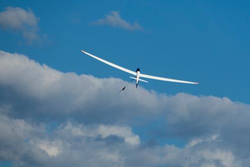 Glider「Glider at start in front of clouds」:スマホ壁紙(16)