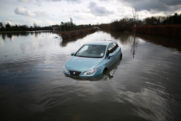 River「River Thames Floods West Of London Threatening Thousands Of Homes」:写真・画像(3)[壁紙.com]