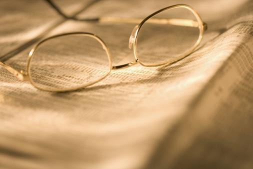 Sepia Toned「Reading glasses on newspaper」:スマホ壁紙(14)