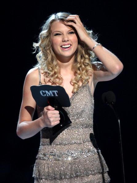 Spaghetti Straps「2009 CMT Music Awards - Show」:写真・画像(9)[壁紙.com]