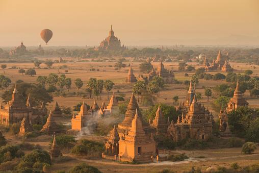 気球「Myanmar, archaelogical site of Bagan」:スマホ壁紙(17)
