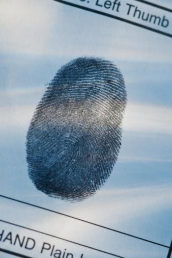 Criminal「Thumbprint」:スマホ壁紙(16)