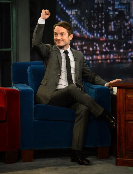 "Arms Raised「Elijah Wood Visits ""Late Night With Jimmy Fallon""」:写真・画像(4)[壁紙.com]"