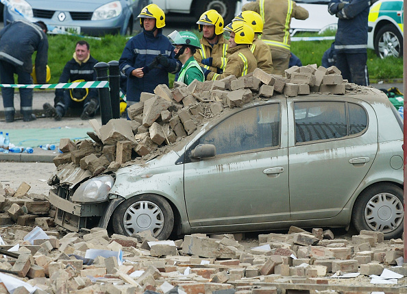 Land Vehicle「Glasgow Factory Collapses After Explosion」:写真・画像(16)[壁紙.com]