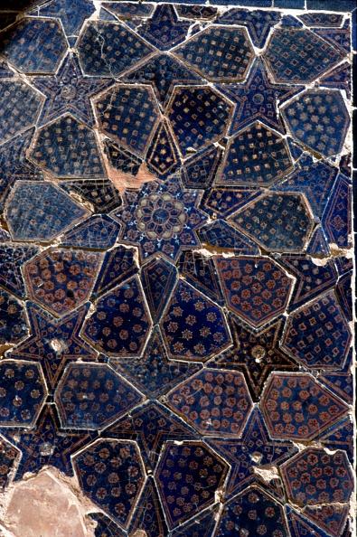 Tile「Glazed Brick Tiling In Shah-I-Zinda Complex」:写真・画像(10)[壁紙.com]