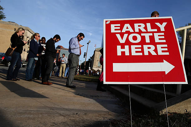 Early Voting Draws Crowds In State's Tight Race:ニュース(壁紙.com)