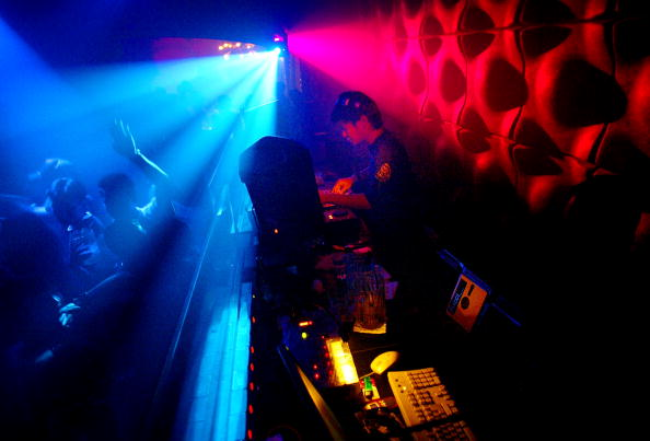 Clubbing「Bar Top Dancing To Become Legal」:写真・画像(5)[壁紙.com]