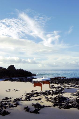 Massage Table「Massage table on beach」:スマホ壁紙(17)