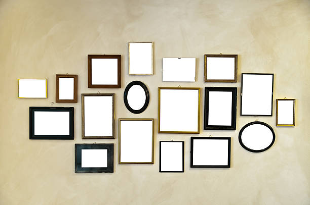 picture frames on vintage wall painting:スマホ壁紙(壁紙.com)