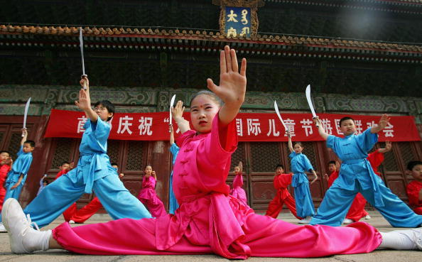 Blue「Chinese Children Celebrate The International Children's Day In Beijing」:写真・画像(4)[壁紙.com]