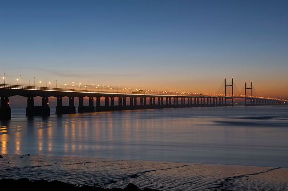 Dawn「M4 Motorway to Wales across Second Severn Crossing Bridge River Severn Estuary Gloucestershire UK. This bridge is the 'new' M4 Second Severn Crossing. The new Crossing was opened on 5th June 1996 by His Royal Highness, The Prince of Wales.」:写真・画像(17)[壁紙.com]