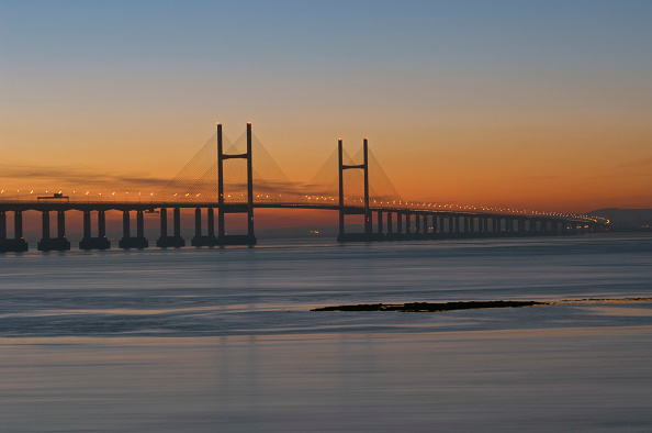 New「M4 Motorway to Wales across Second Severn Crossing Bridge River Severn Estuary Gloucestershire UK. This bridge is the 'new' M4 Second Severn Crossing. The new Crossing was opened on 5th June 1996 by His Royal Highness, The Prince of Wales.」:写真・画像(16)[壁紙.com]