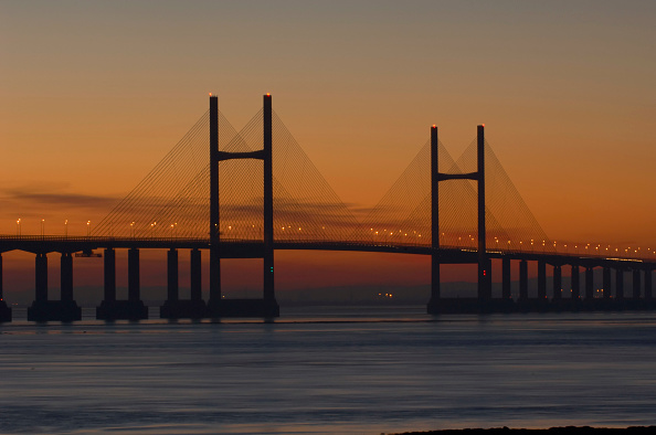 Dawn「M4 Motorway to Wales across Second Severn Crossing Bridge River Severn Estuary Gloucestershire UK. This bridge is the 'new' M4 Second Severn Crossing. The new Crossing was opened on 5th June 1996 by His Royal Highness, The Prince of Wales.」:写真・画像(18)[壁紙.com]