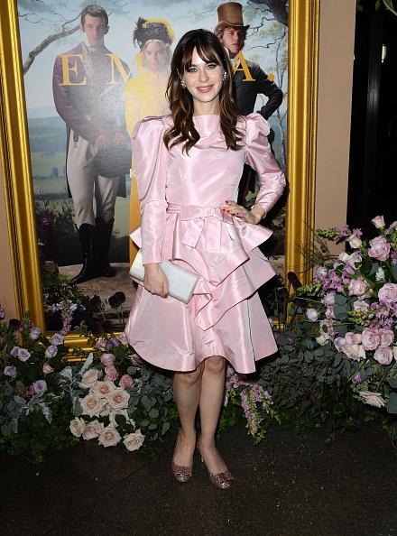 "Satin「Premiere Of Focus Features' ""Emma."" - Arrivals」:写真・画像(9)[壁紙.com]"