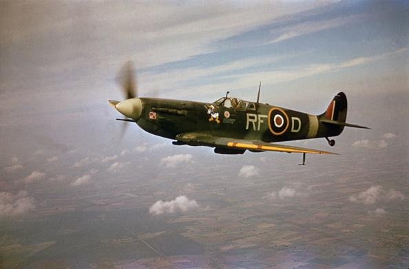 World War II「Spitfire In Flight」:写真・画像(15)[壁紙.com]