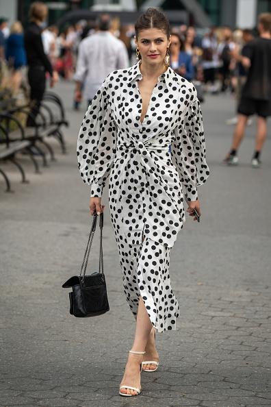 Sandal「Street Style - New York Fashion Week September 2019 - Day 5」:写真・画像(15)[壁紙.com]
