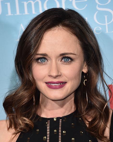 アレクシス ブレデル「Premiere Of Netflix's 'Gilmore Girls: A Year In The Life' - Arrivals」:写真・画像(15)[壁紙.com]