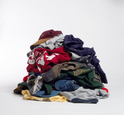 Laundry「Dirty clothes on floor」:スマホ壁紙(10)