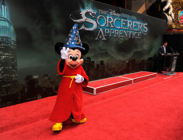 Mickey Mouse「'The Sorcerer's Apprentice' New York Premiere - Outside Arrivals」:写真・画像(4)[壁紙.com]