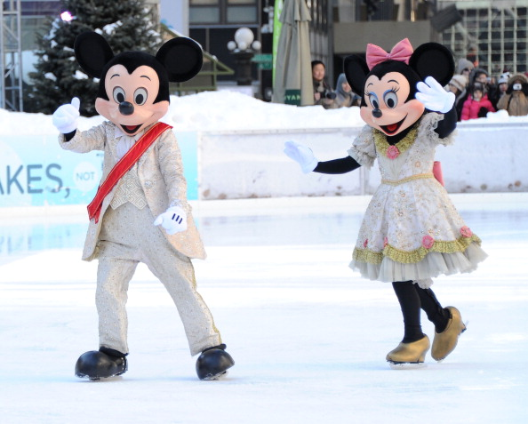 Mickey Mouse「'Disney On Ice Presents Princess Wishes' Treats Children From The Sunshine Kids To A Special Skating Experience」:写真・画像(5)[壁紙.com]