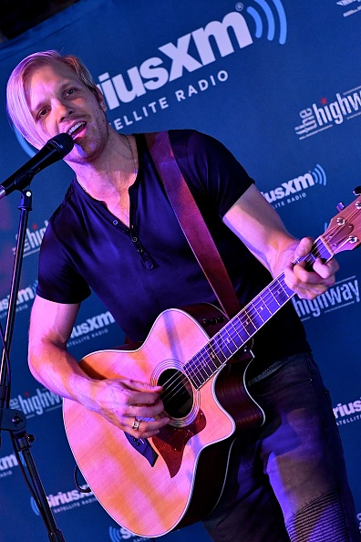 Stage - Performance Space「SiriusXM's The Highway Broadcasts Live During The Solar Eclipse In Nashville Featuring A Live Performance By Delta Rae At The FGL House」:写真・画像(7)[壁紙.com]
