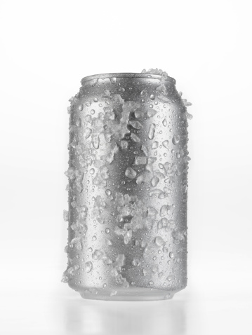 Silver Colored「Can Of Beer covered in Ice」:スマホ壁紙(17)