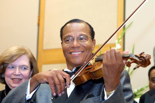 Violin「Minister Louis Farakhan Concert」:写真・画像(2)[壁紙.com]