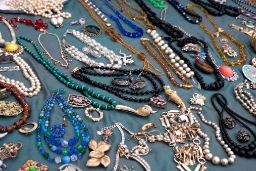Costume Jewelry「Old jewellery stall」:スマホ壁紙(15)