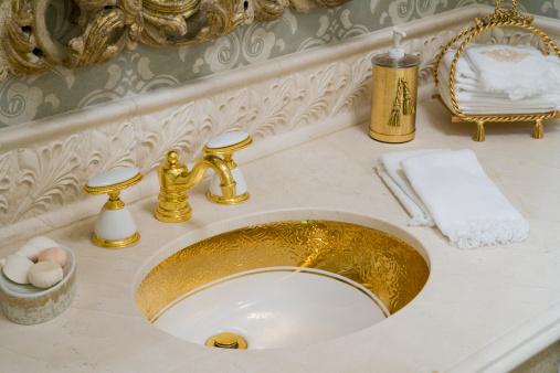 スイセン「Showcase bathroom, close-up of sink」:スマホ壁紙(16)