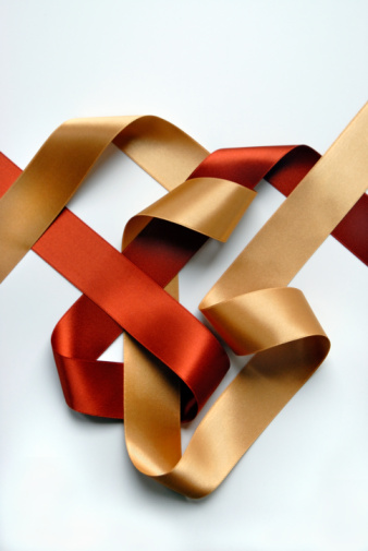 Copper「Two-sided gold and copper ribbon intertwined in abstract composition」:スマホ壁紙(6)