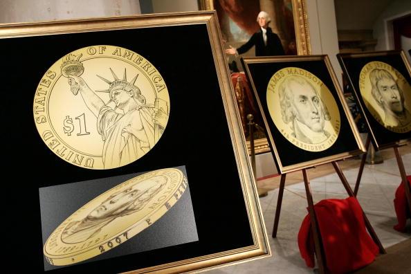 Male Likeness「U.S. Mint Unveils New Presidential $1 Coins」:写真・画像(12)[壁紙.com]