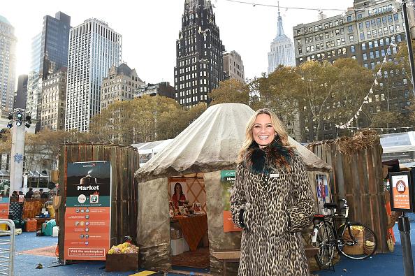 Gift Shop「Jennifer Nettles Visits World Vision Give Back Gift Shop」:写真・画像(13)[壁紙.com]