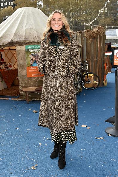 Gift Shop「Jennifer Nettles Visits World Vision Give Back Gift Shop」:写真・画像(12)[壁紙.com]