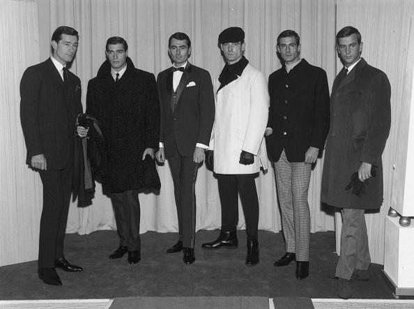 Curled Up「Men's Fashions」:写真・画像(12)[壁紙.com]